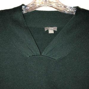 J Jill light v neck sweater in hunter green